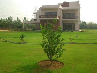 The Golf Retreat: Peaceful Farmhouse With Pool - Gurgaon vacation rentals