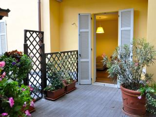 Acciaio apartment near the lake and centre - Como vacation rentals