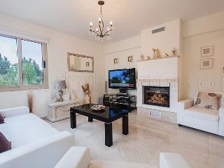 Polis Beach Villa J1 - 3 Bedroom - Pool & Jacuzzi - Polis vacation rentals