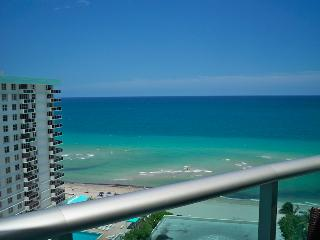 Great Condo 2/2 on the beach - Hollywood vacation rentals