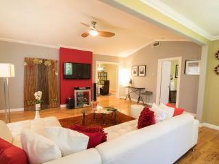 House In the Heart of Hollywood near Walk of Fame - West Hollywood vacation rentals