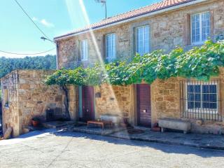 Stone house restored - Vimianzo vacation rentals