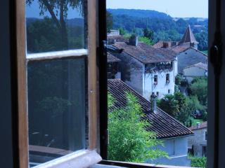 2 bedroom House with Internet Access in Aubeterre-sur-Dronne - Aubeterre-sur-Dronne vacation rentals