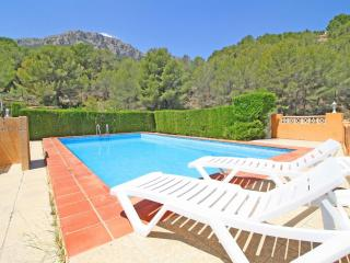 Nice House with Internet Access and Shared Outdoor Pool - Calpe vacation rentals