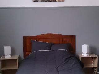 Romantic 1 bedroom Saint-Quentin Condo with Television - Saint-Quentin vacation rentals