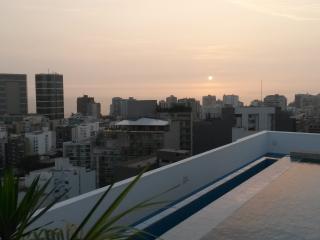 LIMA MIRAFLORES 2BED CONDO POOL - Lima vacation rentals