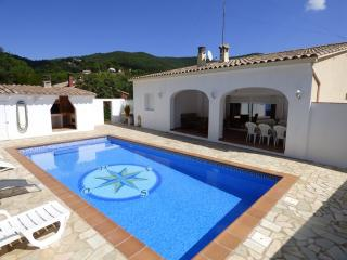 Cozy 3 bedroom Calonge Villa with Internet Access - Calonge vacation rentals