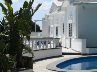 Spacious 4 bedroom Piano di Sorrento Villa with Deck - Piano di Sorrento vacation rentals