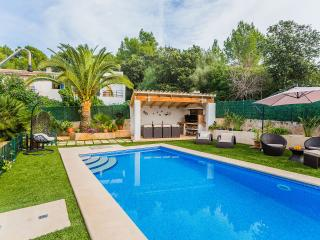 Gorgeous House with Internet Access and A/C - Puerto de Alcudia vacation rentals