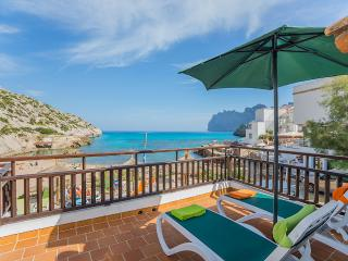 Romantic House with Internet Access and A/C - Cala San Vincente vacation rentals