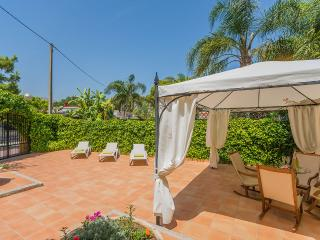 Perfect 6 bedroom House in Puerto de Alcudia - Puerto de Alcudia vacation rentals