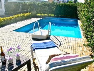 Beautiful 3 bedroom Cottage in Puerto de Alcudia - Puerto de Alcudia vacation rentals