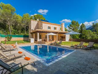 Beautiful 4 bedroom House in Sa Pobla - Sa Pobla vacation rentals