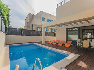 3 bedroom Villa with Internet Access in Colonia Sant Pere - Colonia Sant Pere vacation rentals