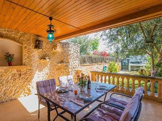 Perfect 3 bedroom House in Puerto de Alcudia with A/C - Puerto de Alcudia vacation rentals