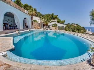 Nice 5 bedroom Font de Sa Cala Villa with Internet Access - Font de Sa Cala vacation rentals