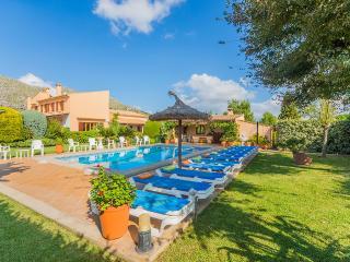 Perfect 6 bedroom Villa in Cala San Vincente with Internet Access - Cala San Vincente vacation rentals