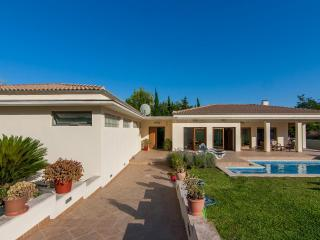 Bright 4 bedroom House in Sa Pobla with Internet Access - Sa Pobla vacation rentals