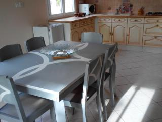 Cozy 2 bedroom Vacation Rental in Caussade - Caussade vacation rentals