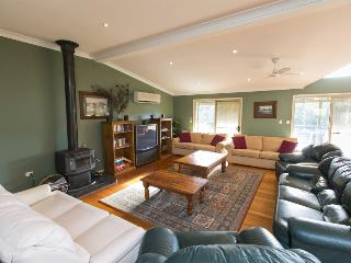 The Barrington's Country Retreat - Mountain View - Dungog vacation rentals