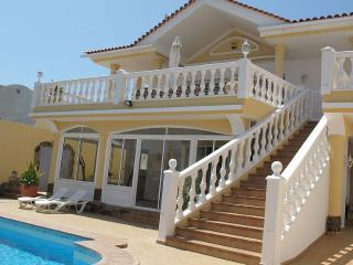 Luxurious 5-bedroom Villa with superb Ocean views - Callao Salvaje vacation rentals