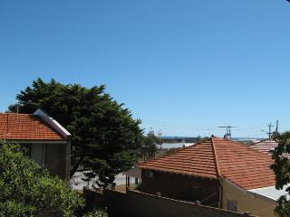 Compact 2 bedroom Townhouse - Fremantle vacation rentals