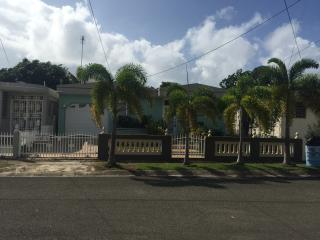 10 min. from the beach and 15 min. from Guayama - Arroyo vacation rentals
