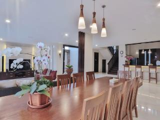 4 bedroom villa - The Arnaya, Kuta, Bali - Kuta vacation rentals