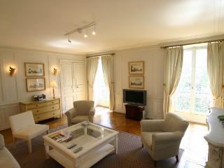 Royal Stay in the Marais - Paris vacation rentals