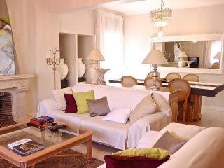 Bright 2 bedroom Vacation Rental in Oeiras - Oeiras vacation rentals