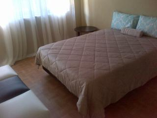 Spacious House with Satellite Or Cable TV and Parking - Durban vacation rentals