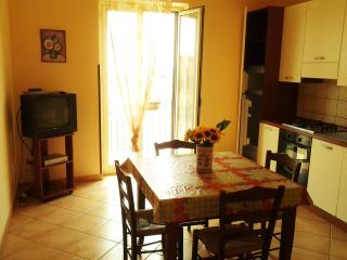 Cozy 2 bedroom Porto Empedocle Townhouse with Television - Porto Empedocle vacation rentals
