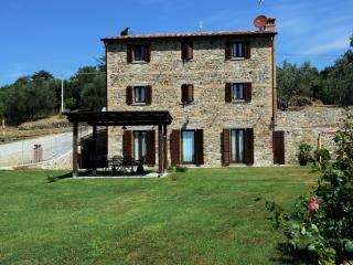Recently renovated farmhouse with pool Cortona. - Pietraia vacation rentals