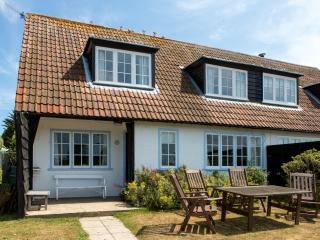 Bright 5 bedroom Thorpeness House with Internet Access - Thorpeness vacation rentals