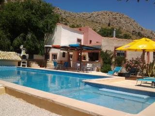Nice 2 bedroom Bungalow in Alicante with Internet Access - Alicante vacation rentals