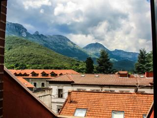 A Gem Surrounded by Mountains, History and Culture - Ramales de la Victoria vacation rentals