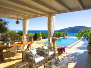 VILLA LINDOS KALLIOPI, Vlicha Bay, Lindos, Rhodes - Lindos vacation rentals