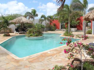 a 2 prs Guest room with bathroom at Mangooz Aruba - Oranjestad vacation rentals