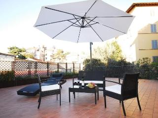 Belfiore - Florence 1 bdr with large terrace - Florence vacation rentals