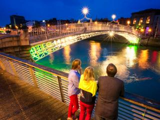Fantastic City Center apartment, WiFi, Laundry - Dublin vacation rentals