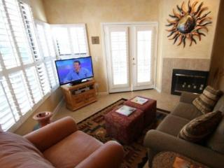 Stay With Us in the Canyon! Three Bedroom Condo in Canyon View at Ventana Canyon Building 15 - Tucson vacation rentals