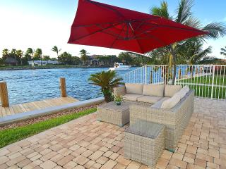 NEW 5 STAR INTRACOASTAL + HTD POOL STEPS 2 BEACH! - Pompano Beach vacation rentals