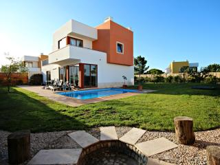 Obidos Lagoon Luxury 3 bedroom Villa - Obidos vacation rentals