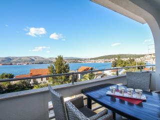 TH01843 Apartments Villa Silva / One bedroom A3 - Okrug Gornji vacation rentals