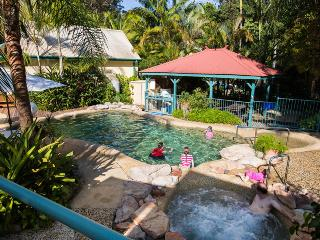 Tropic Oasis Holiday Villas - Orchid - Coffs Harbour vacation rentals