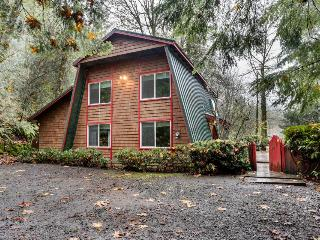 Charming, dog-friendly, Mt. Hood cabin with firepit and hot tub! - Welches vacation rentals