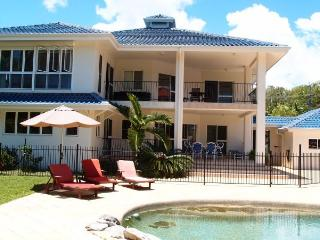 Absolute Beach Front Holiday Home - Kewarra Beach vacation rentals