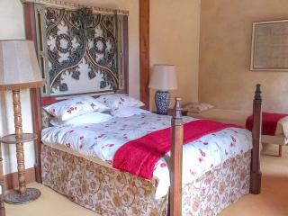 Wonderful 5 bedroom Faye-d'Anjou House with Internet Access - Faye-d'Anjou vacation rentals