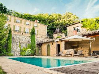 Wonderful House with Fireplace and Private Outdoor Pool - Beaujeu vacation rentals