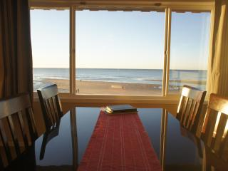 Kite Rider - Unbelievable 3rd floor ocean view! - Lincoln City vacation rentals